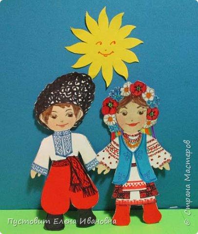 Представляю  бумажных куколок , которых я сделала как дань своему далёкому детству. Давно это было, но память хранит неописуемый восторг трёхлетней девочки, которой мама своими руками сделала подобных куколок. Тогда мы жили в СССР, в дружной  семье братских народов... фото 4