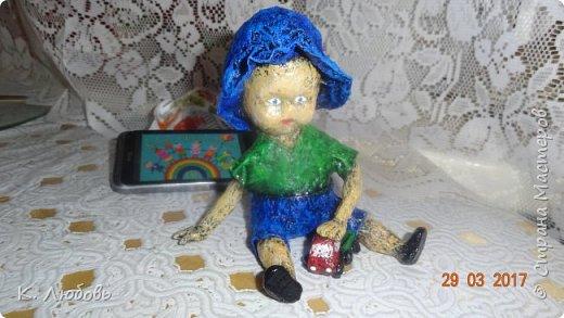 Такую фигурку решила сделать для конкурса вспоминая своего сына маленьким карапузом. Как и у большинства мальчишек любимая игрушка у него была машина. фото 9