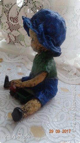 Такую фигурку решила сделать для конкурса вспоминая своего сына маленьким карапузом. Как и у большинства мальчишек любимая игрушка у него была машина. фото 14