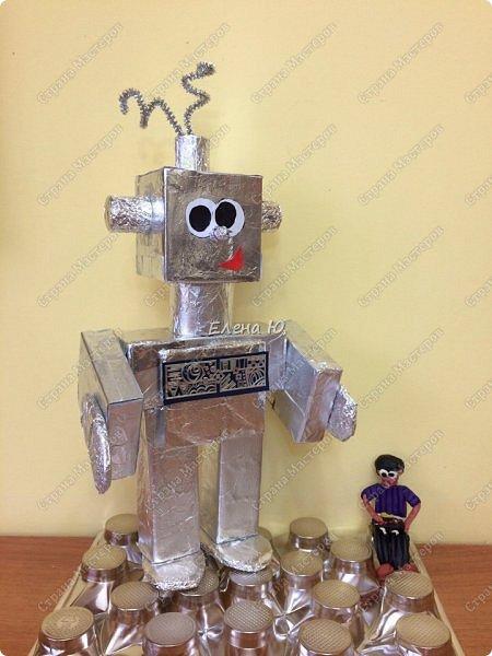 Ксюша считает, что в будущем у каждого ребенка будет свой большой и добрый робот -помощник.  фото 8