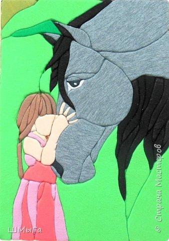 """""""Я люблю свою лошадку..."""" Эта строчка из стихотворения Агнии Барто известна всем детям. Для кого-то она остается просто фразой, а для кого-то смыслом жизни. В селе, даже в современном, без лошади не обойтись. Но лошадь - это  не только помощник, но и друг. Есть в нашем селе и такие люди, которые занимаются разведением лошадей, участвуют в разных соревнованиях. Да и среди учеников нашей школы, в которой чуть больше полутора сотен человек из пяти сел) есть такие, кто занимается конным спортом и ездит за 20км на тренировки. фото 1"""