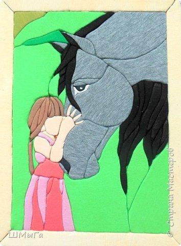 """""""Я люблю свою лошадку..."""" Эта строчка из стихотворения Агнии Барто известна всем детям. Для кого-то она остается просто фразой, а для кого-то смыслом жизни. В селе, даже в современном, без лошади не обойтись. Но лошадь - это  не только помощник, но и друг. Есть в нашем селе и такие люди, которые занимаются разведением лошадей, участвуют в разных соревнованиях. Да и среди учеников нашей школы, в которой чуть больше полутора сотен человек из пяти сел) есть такие, кто занимается конным спортом и ездит за 20км на тренировки. фото 2"""