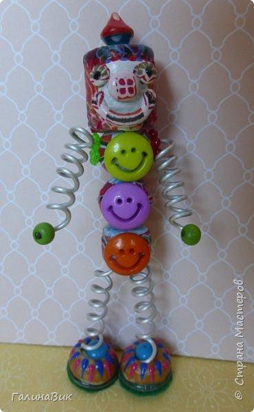 В игрушки детишки играли, играют и будут играть! Сама очень хорошо помню и оранжевую неваляшку, и пластмассовую куклу с малиновым бантом, и гудящую юлу...А в какие игрушки будет играть детвора в далеком будущем? Точного ответа дать невозможно. Можно пофантазировать! Я охотно это делаю! фото 12