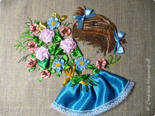 Эта маленькая нежная девочка в цветах - то ли ребенок, то ли цветок незабудки, для меня символ моего безмятежного детства, когда спокойствие и красота окружают тебя. У моей бабушки был сад где росли яблони и цветы: пионы, многолетние маки, ирисы. Летом я всегда играла там. И светлые чувства от общения с садом навсегда остались у меня в душе. В минуты тревог и забот я нахожу успокоение и душевное равновесие в общении с природой, цветами. фото 10