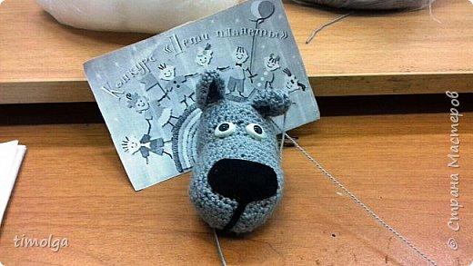 """Здравствуйте, жители Страны Мастеров! Меня зовут Аня. Я люблю заниматься рукоделием, и особенно делать игрушки. Поэтому я захотела принять участие в конкурсе """"Дети планеты"""".  Знакомьтесь: Волк-обжорка. Это герой мультфильма """"Жил-был пёс"""". фото 8"""