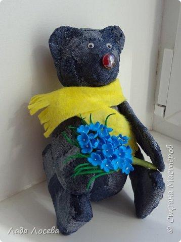 У каждого Российского ребёнка есть игрушка самая любимая, чаще всего это мишка. Он может быть плюшевым, тканевым или каким -то другим, но всегда ребёнок испытывает к нему самые нежные чувства, жалеет, защищает, убаюкивает. А если Мишка сделан своими руками, то становится ещё более родным, ведь в него вложена частичка твоей души.  фото 8