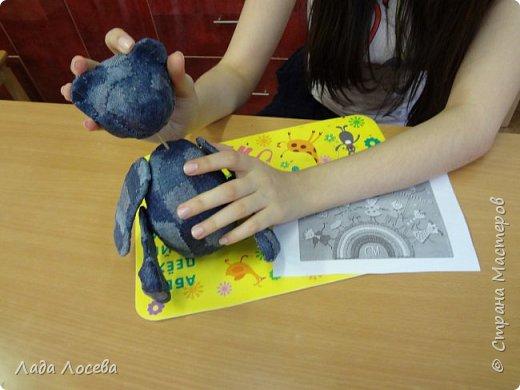 У каждого Российского ребёнка есть игрушка самая любимая, чаще всего это мишка. Он может быть плюшевым, тканевым или каким -то другим, но всегда ребёнок испытывает к нему самые нежные чувства, жалеет, защищает, убаюкивает. А если Мишка сделан своими руками, то становится ещё более родным, ведь в него вложена частичка твоей души.  фото 7