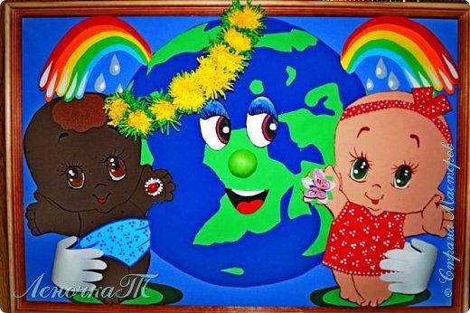 Доброе время суток,друзья! Не секрет, что 2017 год объявлен годом экологии. Ну, как же мы могли пройти мимо этого события. Именно году экологии посвятили свою работу Катя и Олеся. Только на чистой Планете, могут жить здоровые и счастливые дети. фото 1