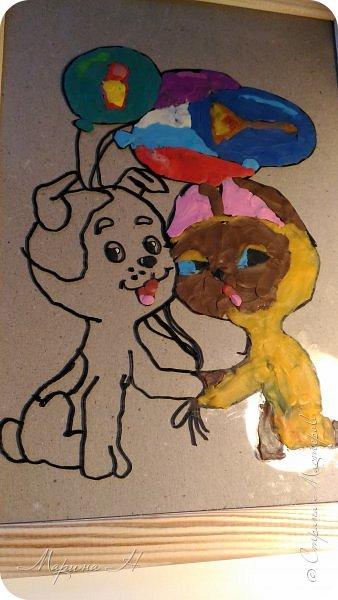 С Алёной мы долго выбирали что сделать. Не так давно, на конкурс в детский сад, Алёна делала картину из пластилина с изображением котенка Гав и очень он ей запомнился. Решили мы сначала сделать Шарика из этого мультфильма, но потом передумали и сделали вместе котёнка и щенка))) фото 4