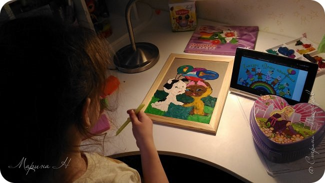 С Алёной мы долго выбирали что сделать. Не так давно, на конкурс в детский сад, Алёна делала картину из пластилина с изображением котенка Гав и очень он ей запомнился. Решили мы сначала сделать Шарика из этого мультфильма, но потом передумали и сделали вместе котёнка и щенка))) фото 5