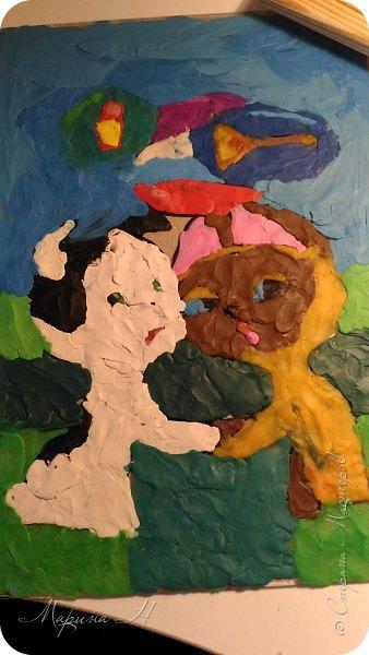 С Алёной мы долго выбирали что сделать. Не так давно, на конкурс в детский сад, Алёна делала картину из пластилина с изображением котенка Гав и очень он ей запомнился. Решили мы сначала сделать Шарика из этого мультфильма, но потом передумали и сделали вместе котёнка и щенка))) фото 7