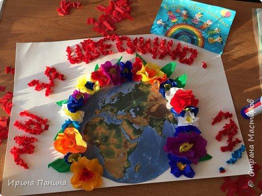 """2017 год объявлен годом экологии. Мы хотим жить на цветущей планете, дышать чистым воздухом, пить чистую воду. Вот мы и  решили сделать плакат """"Мы за цветущую планету!"""".  фото 5"""