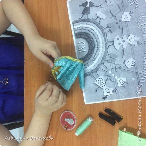 """В преддверии весеннего мусульманского праздника Наурыз был объявлен конкурс """"Дети планеты"""". Поэтому я решила сшить костюм своего народа, казахской девушки. Он состоит из головного убора- саукеле, платья, камзола и обуви. фото 5"""