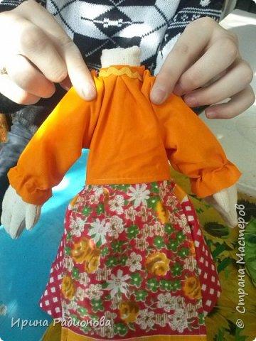 Здравствуйте! Меня зовут Женя. На этот конкурс я решила сделать свою самую любимую героиню русских сказок Бабу -Ягу. Но мне захотелось показать ее не злой и хитрой старухой, а очень милом бабусей. Ведь и она когда то была молодой и вполне симпатичной женщиной.     фото 3