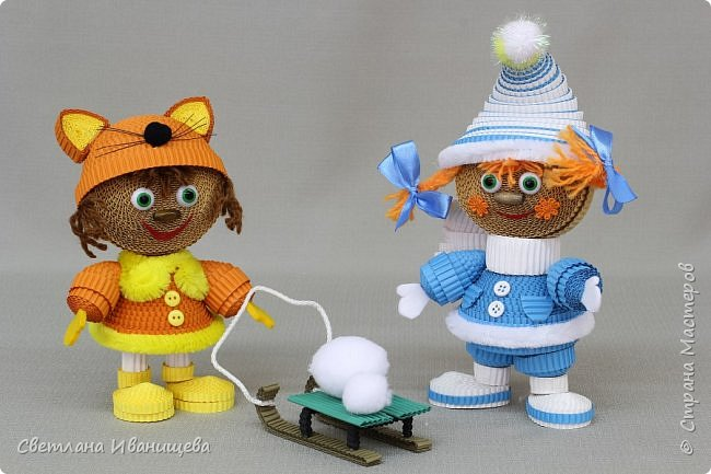 """Стихотворение  """"Снеговик""""  В. Степанова  послужило источником вдохновения для создания  нашей композиции.  Раз - рука, два - рука -  Лепим мы снеговика! Три - четыре, три - четыре, Нарисуем рот по шире! Пять - найдем морковь для носа, Угольки найдем для глаз. Шесть - наденем шляпу косо. Пусть смеется он у нас. Семь и восемь, семь и восемь, Мы сплясать его попросим. Девять - десять - снеговик Через голову - кувырк!!! Ну и цирк!  фото 11"""