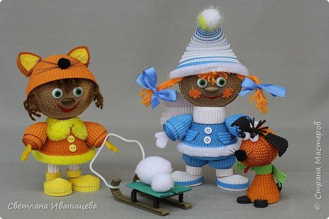 """Стихотворение  """"Снеговик""""  В. Степанова  послужило источником вдохновения для создания  нашей композиции.  Раз - рука, два - рука -  Лепим мы снеговика! Три - четыре, три - четыре, Нарисуем рот по шире! Пять - найдем морковь для носа, Угольки найдем для глаз. Шесть - наденем шляпу косо. Пусть смеется он у нас. Семь и восемь, семь и восемь, Мы сплясать его попросим. Девять - десять - снеговик Через голову - кувырк!!! Ну и цирк!  фото 12"""