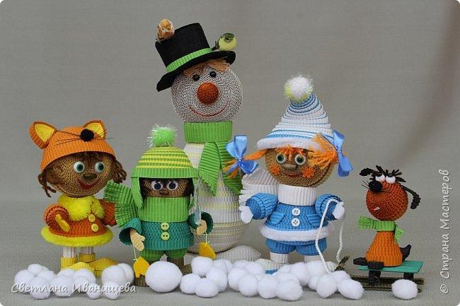 """Стихотворение  """"Снеговик""""  В. Степанова  послужило источником вдохновения для создания  нашей композиции.  Раз - рука, два - рука -  Лепим мы снеговика! Три - четыре, три - четыре, Нарисуем рот по шире! Пять - найдем морковь для носа, Угольки найдем для глаз. Шесть - наденем шляпу косо. Пусть смеется он у нас. Семь и восемь, семь и восемь, Мы сплясать его попросим. Девять - десять - снеговик Через голову - кувырк!!! Ну и цирк!  фото 6"""