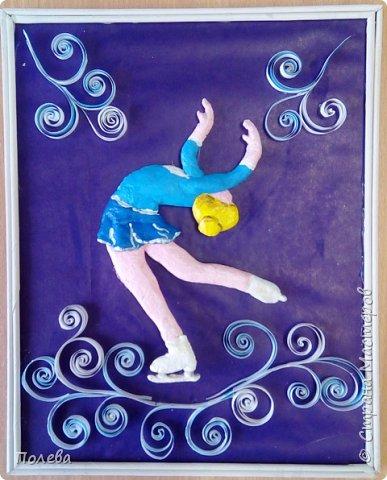 В свободное время Настя занимается фигурным катанием. Поэтому свою работу в смешанной технике она решила посвятить этому виду спорта. фото 1