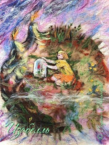 """""""Есть такое твердое правило: встал поутру, умылся, привел себя в порядок — и сразу же приведи в порядок свою планету."""" Это цитата из замечательной книги Антуана де Сента Экзюпери — Маленький принц. Книга, которая не имеет возрастных ограничений, потому что каждый для себя найдет в ней много полезного. Экзюпери родился во Франции в городе Лионе. Писатель, поэт, военный лётчик - за свою короткую жизнь подарил миру замечательные произведения. Но именно Маленький принц трогает до глубины души, своей чистотой и наивностью любого слушателя.    фото 1"""