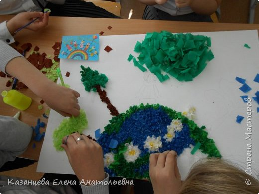 Здравствуйте,уважаемые жители Страны Мастеров! Мы ученики 4 Б класса впервые участвуем в подобном конкурсе. Мы решили участвовать по нескольким причинам:2017 год объявлен годом экологии и чтобы сохранить нашу планету необходимо быть вместе. На каком бы континенте не жили дети, несмотря на то. какого цвета у них кожа все хотят одного-чтобы наша Земля всегда была цветущей. И все это в руках пока ещё маленьких Граждан Земли. фото 7