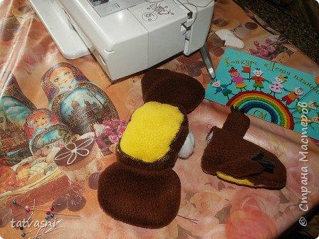 На конкурс Саша представляет любимого Чебурашку. Это настоящие муки творчества. Сшить игрушку , похожую на героя мультика, оказалось трудно. фото 9