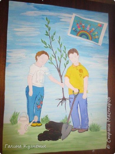 """""""Посади дерево!""""- так называется наша работа. Существует проблема: вырубка лесов. Она серьёзная и может иметь ещё более серьёзные последствия, тяжёлые для будущих поколений. Если мы останемся равнодушными и бездеятельными, то нашим потомкам достанется пустошь вместо цветущей и зеленой планеты. Этим плакатом мы призываем всех окружающих к участию в посадке лесов.   фото 5"""