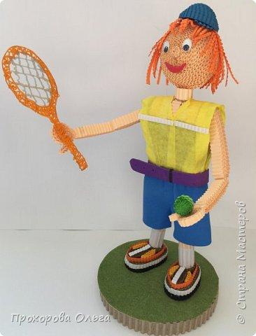 Олег занимается большим теннисом, вот и поделка соответствует хобби фото 1