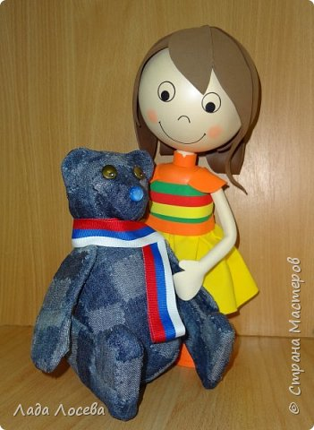 У каждого Российского ребёнка есть игрушка самая любимая, чаще всего это мишка. Он может быть плюшевым, тканевым или каким -то другим, но всегда ребёнок испытывает к нему самые нежные чувства, жалеет, защищает, убаюкивает. А если Мишка сделан своими руками, то становится ещё более родным, ведь в него вложена частичка твоей души.  фото 1