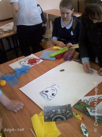 В рамках конкурса «Дети планеты» мы с учениками работали над проектом по французскому языку «Французский народный костюм», который затем разделился на две подтемы. Руководителем проекта является учитель; мои помощники – ученицы 9 класса; участники проекта – шестиклассницы.  фото 8