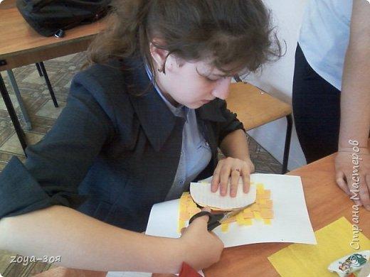 В рамках конкурса «Дети планеты» мы с учениками работали над проектом по французскому языку «Французский народный костюм», который затем разделился на две подтемы. Руководителем проекта является учитель; мои помощники – ученицы 9 класса; участники проекта – шестиклассницы.  фото 13