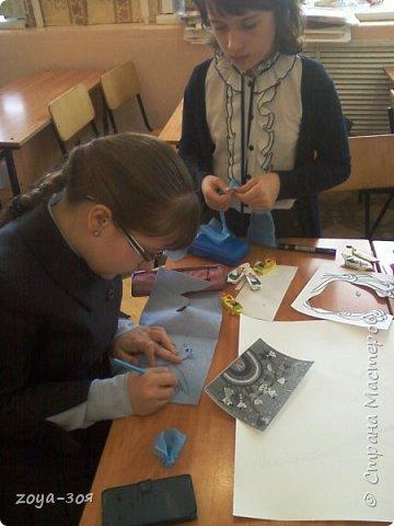 В рамках конкурса «Дети планеты» мы с учениками работали над проектом по французскому языку «Французский народный костюм», который затем разделился на две подтемы. Руководителем проекта является учитель; мои помощники – ученицы 9 класса; участники проекта – шестиклассницы.  фото 10
