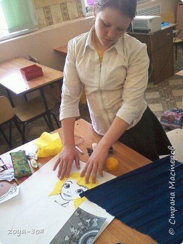 В рамках конкурса «Дети планеты» мы с учениками работали над проектом по французскому языку «Французский народный костюм», который затем разделился на две подтемы. Руководителем проекта является учитель; мои помощники – ученицы 9 класса; участники проекта – шестиклассницы.  фото 9