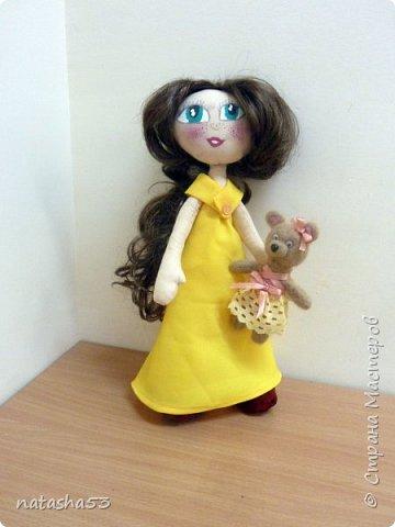 Любимая кукла и не менее любимый мишка фото 1