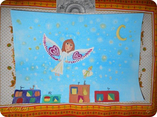 Снежанна мечтает, что в будущем дети научатся летать, чтобы по ночам гулять по звездному небу.... Она нарисовала себя и свою куклу,как им хорошо и радостно летать между яркими звездочками,над разноцветными домами...В окнах горят огни.....они распахнуты и ждут своих хозяев домой,а может приглашают в гости.....По крышам гуляют беспечные коты.....А дети с игрушками летают,летают в мирном небе над миром фото 5