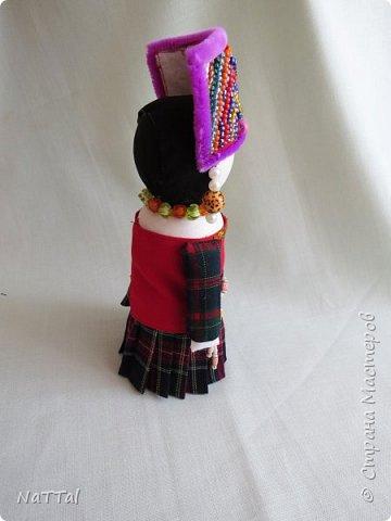 """Здравствуйте, уважаемые рукодельницы!!! Примите в вашу дружную и многонациональную компанию и мою куклу """"Бай"""". БАЙ - это народ проживающий в Китае, в провинции Юньнань. Основное занятие, которых пашенное земледелие. До нашего времени у данного народа существуют матрилокальные семьи, которые объединяют по 3-5 поколений байцев.  фото 5"""