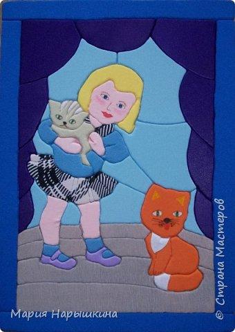 Представляем на конкурс работу Нарышкиной Екатерины в технике кинусайга. Кате 8 лет, учится она в первом классе. Катя очень любит разных животных. Дома у нее живут хомячки и рыбки, а еще Катя мечтает о котенке. Вот и решила она рассказать о своей мечте - сделать картину с кошкой и котенком. фото 1