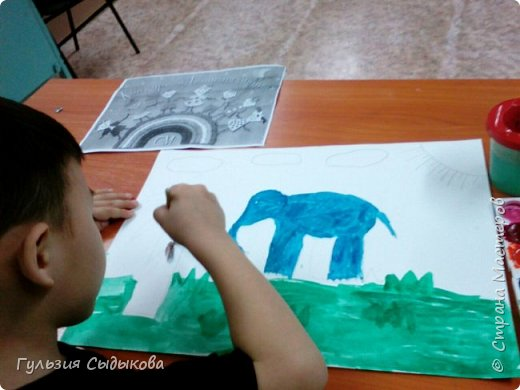 Из всех животных мне очень нравится слон и слоненки, потому что они всегда веселые в мультиках, добрые и храбрые. Обитают в тропических странах. фото 4