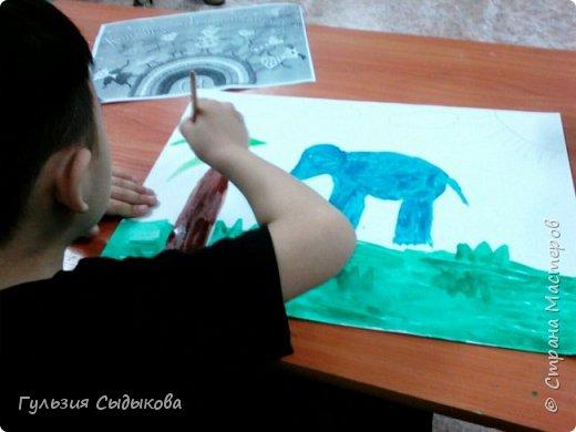 Из всех животных мне очень нравится слон и слоненки, потому что они всегда веселые в мультиках, добрые и храбрые. Обитают в тропических странах. фото 5