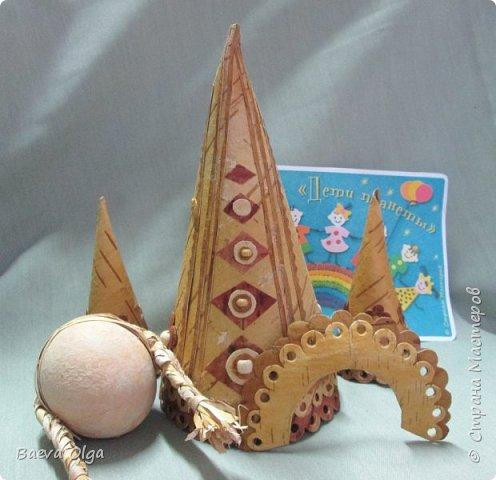 Конусная кукла изготовлена из берестынатуральных оттенков и обработанной морилкой для приобретения нужного тона. фото 3