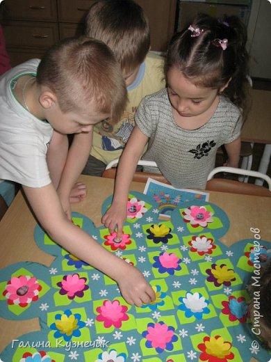""""""" Все дети - наш цветущий сад"""" так мы назвали нашу работу . Представляю вам моих малышей, их 26: непоседы, озорники, тихони,сластёны, помощники, умнички...  И все они живут в детском саду с цветочным названием """"Незабудка"""" Они наши самые необыкновенные, самые любимые, самые дорогие девчонки и мальчишки- наши цветочки. фото 12"""