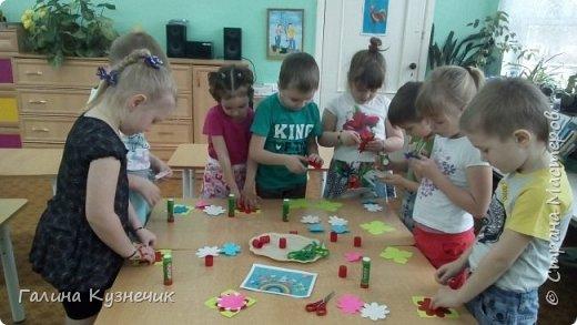""""""" Все дети - наш цветущий сад"""" так мы назвали нашу работу . Представляю вам моих малышей, их 26: непоседы, озорники, тихони,сластёны, помощники, умнички...  И все они живут в детском саду с цветочным названием """"Незабудка"""" Они наши самые необыкновенные, самые любимые, самые дорогие девчонки и мальчишки- наши цветочки. фото 6"""