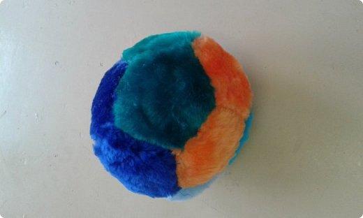 Мяч - игрушка, которую любят все: и дети, и взрослые, и собаки, и кошки, и пернатые. фото 1