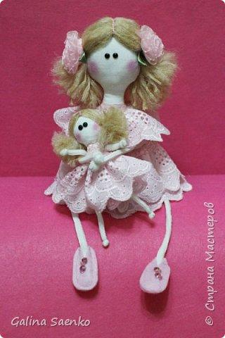 Вот такая девочка Эллочка с куклой Элечкой получилась у Ани. Эта куколка не сложна в исполнении, а радости принесет очень много.  фото 7