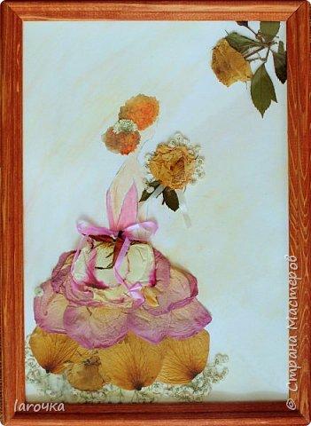 Дети - цветы жизни! И мы полностью согласны с таким выражением.  Свою девочку Василина решила представить в платье из роз. И помогли ей в этом засушенные растения. фото 1
