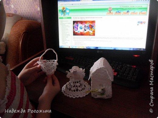 Ангелочек кормит птичек. фото 7