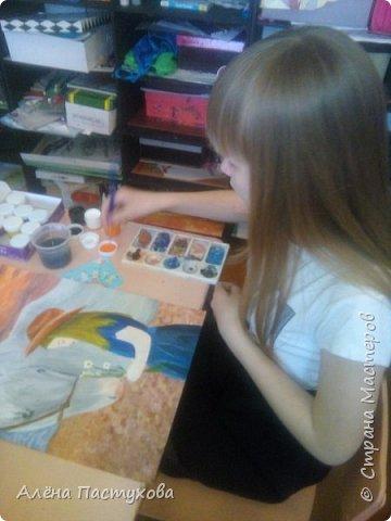 Насте 13 лет, скромная и кропотливая девочка. Выбрала номинацию Животные и дети, так как она ближе всего Насте. Она очень любит животных и хочет показать это в своих работах. фото 8