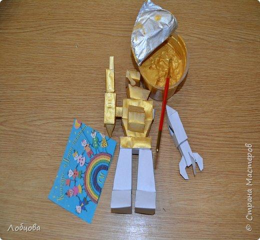 Добрый день мастера. Я представляю на конкурс робота-строителя, который будет строить дома будущего. фото 5