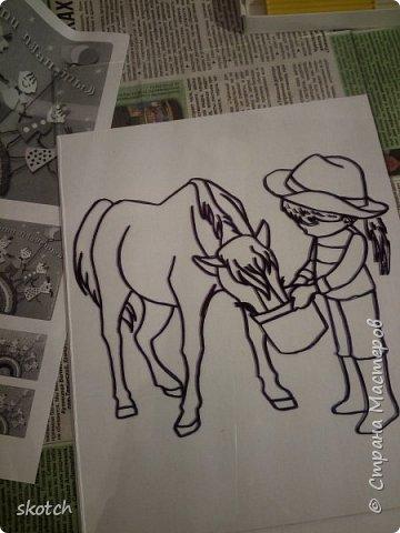 Добрый день! Представляю ещё одну конкурсную работу моей дочки Киры. Пластилинография увлекательный процесс )) Выполнив одну работу в этой технике, ей захотелось сделать ещё одну. Кире очень нравятся лошади. Иногда мы с ней ходим на конюшню, где работает моя знакомая. Кире разрешают покормить и почистить спокойную лошадку. Ну и немного покататься верхом тоже перепадает )) фото 4