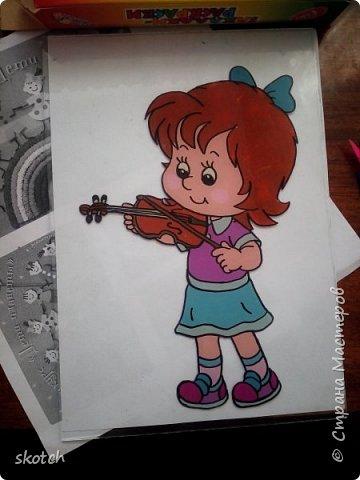 Добрый день! Представляю вам ещё одну работу своей дочки Киры. Это её дебют в этой технике. До этого Кира из пластилина только лепила объемные фигурки, а вот рисовать не пробовала. Я уговорила попробовать и вот, что из этого получилось... фото 7