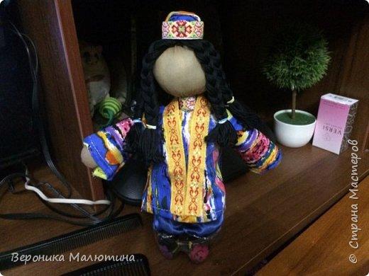 Я очень люблю шить, мастерить, заниматься творчеством. Моё увлечение - мастерить кукол. Очень люблю мою страну - Россию.  Мне интересен мир народного костюма, ведь каждый из них отражает особенности своего народа, его характер. фото 7